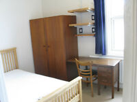 Small double room to rent in 3 bed house in Horfield from 26th Oct £450 pcm incl bills