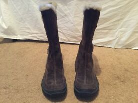 Ladies Polartec Caterpillar boots size 3
