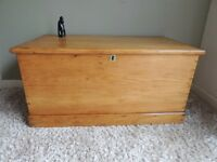 EAUTIFUL-LARGE-ANTIQUE-SOLID-PINE-VICTORIAN-CHEST-BLANKET BOX.