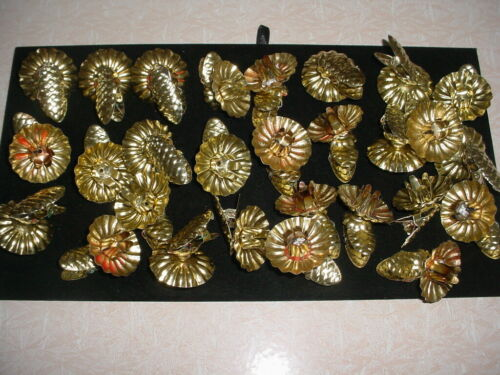 VINTAGE LOT 28 GOLDTONE CHRISTMAS CANDLE HOLDERS WITH CLIPS