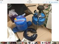 Camping single burnet camping stove complete with 2 gas cylinders