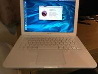 "MacBook 13"" Mid 2010, 2.4GHz, 8GB RAM, Intel Core 2 Duo and Samsung Evo 250 SSD"