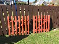 2 gates 90x90 cm