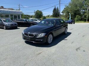 2015 BMW 328 i xDrive - AWD - New MVI - Serviced