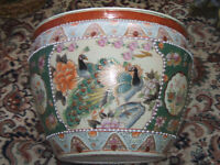 LARGE ELABORATELY DECORATED CHINESE FISH BOWL