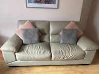 2 and 3 seater Harvey's leather sofa