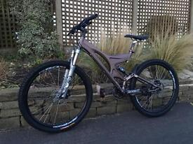 Specialized Enduro s-works Downhill Bike, HIGH SPEC, FOX, SLX