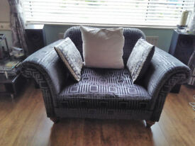 Parker Knoll Snuggler Chair - nearly new £599.00 ovno