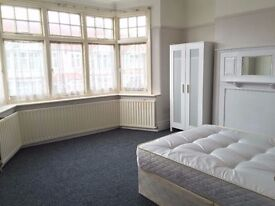 425 per week single room available