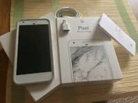 7 month's old unlocked Google Pixel XL 32 GB Silver (Better than Apple iPhone 7 Plus)