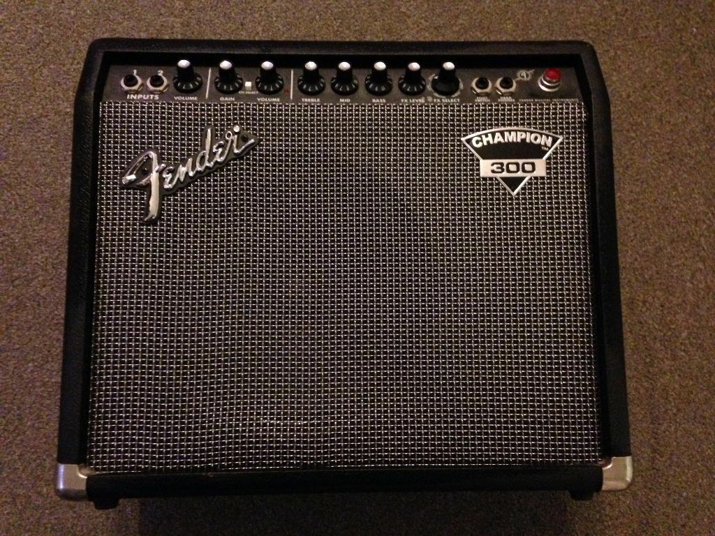 fender champion 300 guitar amplifier 90w 10 speaker in ipswich suffolk gumtree. Black Bedroom Furniture Sets. Home Design Ideas