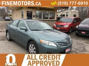 2011 Toyota Camry LE/low km
