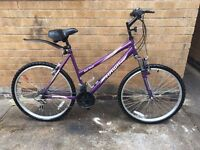 Womens Hardtail Front Suspension Mountain Bike in MINT Condition
