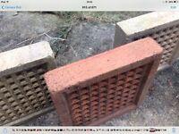 Reclaimed clay air bricks