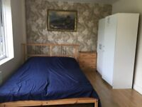 LARGE FURNISHED DOUBLE ROOM FOR PROFESSIONAL NONSMOKER CITY CENTRE £550, SINGLE ROOM £460 PER MONTH