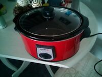 Lovely Red Breville Slow Cooker In Good Condition. Perfect For Many Meals Must Go Asap.