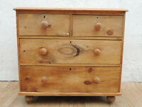 Antique rustic wooden quality chest of drawers (Delivery)
