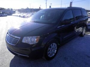 2013 Chrysler Town & Country Touring | Cloth | Touchscreen | DVD