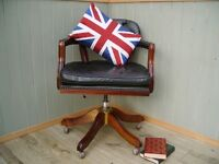 Stunning Leather Green Chesterfield Captains Chair