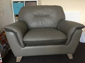 Leather settee & cuddle chair for sale