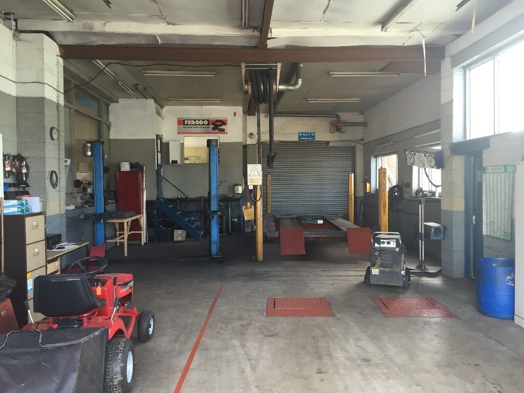 Fully Equipped Garage Workshop To Rent In Stafford