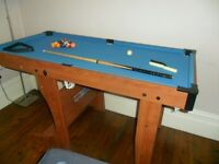 Kids Pool table, balls and cue