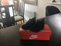 Childrens Nike Trainers Size 7.5