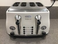 Delonghi Micalite 4 Slice Toaster White/Cream