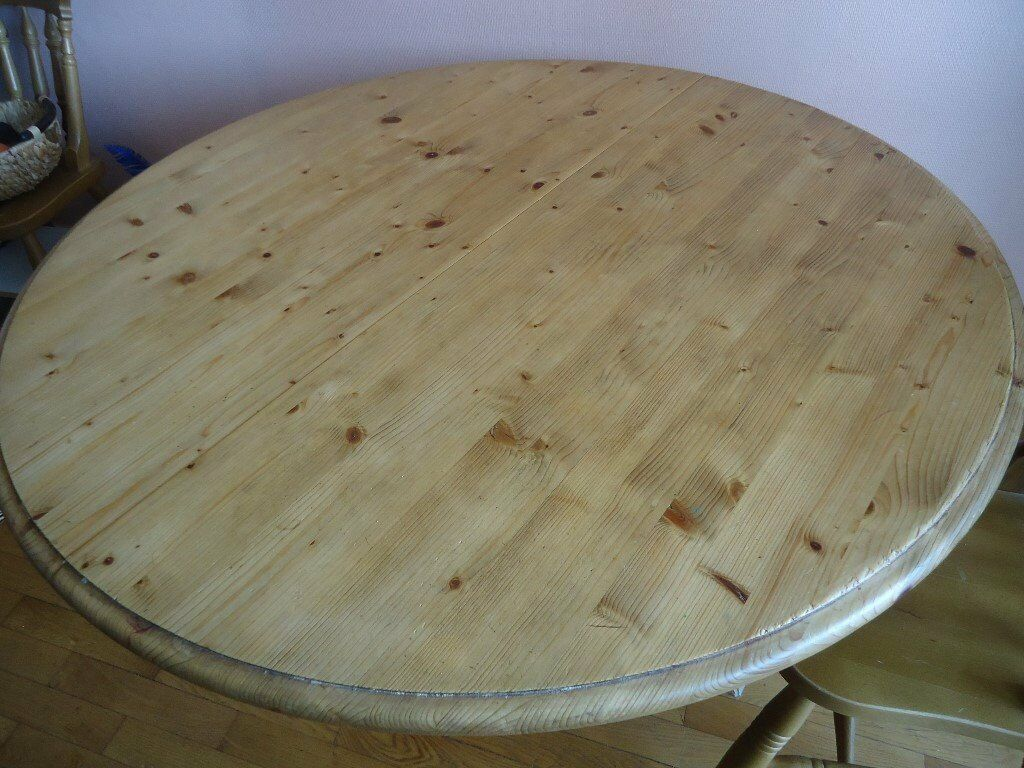 Beautiful Extending Round Table and 4 matching chairs £150