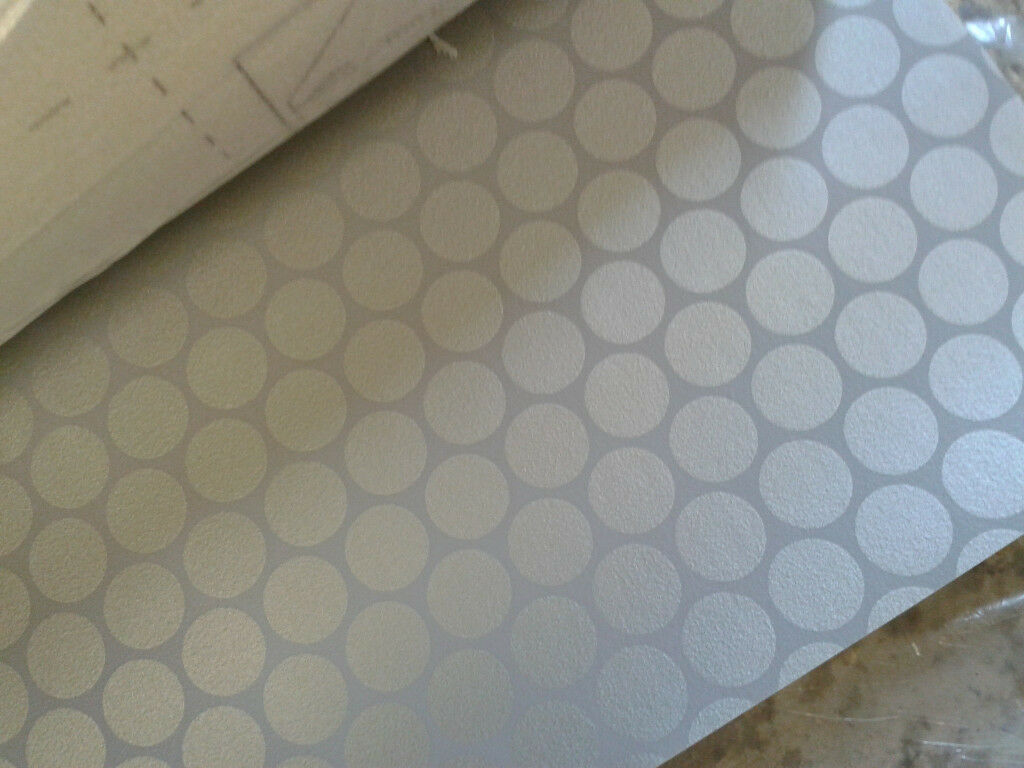 Brand New Vinyl Flooring 2m X 35m Greysilver Dot Ideal For