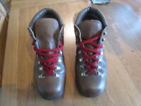 Ladies walking hiking boots euro 37 4 1/2 uk daisy roots made in italy quality and comfort