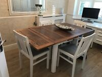 STUNNING TABLE AND CHAIRS. EXTENDABLE. £100ono CHEAP