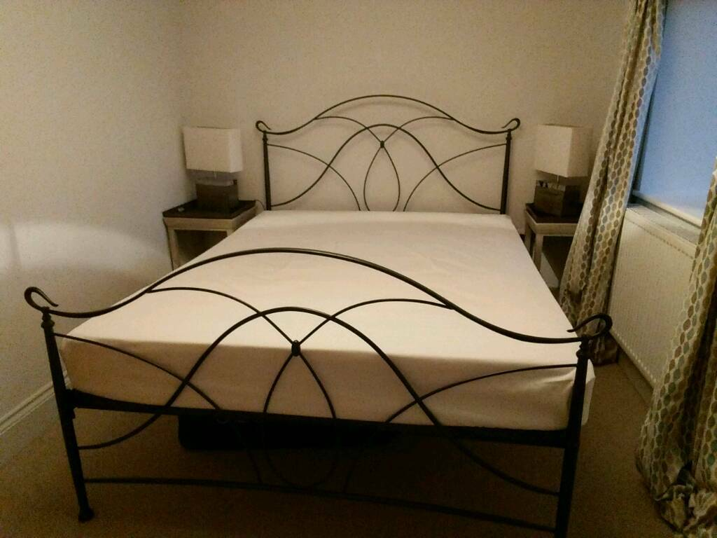 Metal bed frame (king) and matress