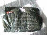 North Face Shell Jacket - L - Never worn - Still in original packaging