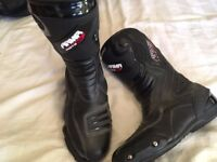 Mens ARMR Montegi 2 Leather Waterproof Race motorbike boots size 10/44