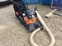 Scag giant vac garden leaf blower hoover drain cleaner petrol with attachments and waste bag