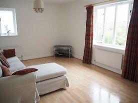 2 bedroom flat in Sweethills Crescent, Whiteley