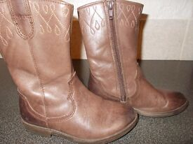 girls clarks cowboy boot in size 10f plus 7 pairs free of charge
