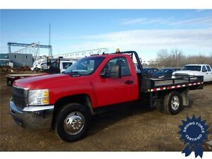 2009 Chevrolet Silverado 3500HD WT Regular Cab 4x4 - 104,309 KMs