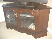 Very stylish Regency Style Mahogany corner TV Stand