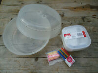3 plastic food containers (600ml), 2 microwave food covers & birthday candles