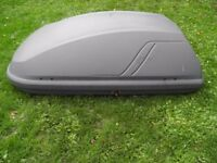 HALFORDS ROOF/TOP BOX EXCELLENT CONDITION WITH NEW KEY AND ALL FITTINGS