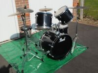 Pearl Forum Drum Kit with Paiste Cymbal