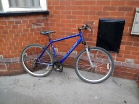 APOLLO ENCOUNTER HYBRID ROAD TOWN BIKE STUDENT MANCHESTER
