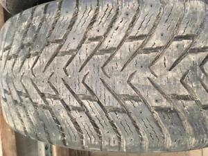 2 pneus d hiver 265/45r20 nokian