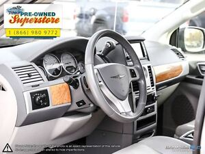 2010 Chrysler Town & Country >>>Limited w/NAV & 4.0L<<< Windsor Region Ontario image 13