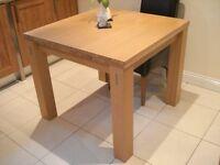 Dining Room Table (Extendable) Morris Furniture Light Oak 4/6 (8) Seat