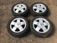 """Renault Clio / megane 15"""" alloy wheels - good tyres"""