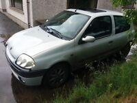 Renault clio parts or repair swap px cheap