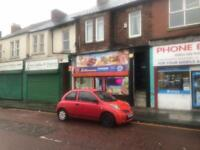 For sale or rent pizza takaway busy stret